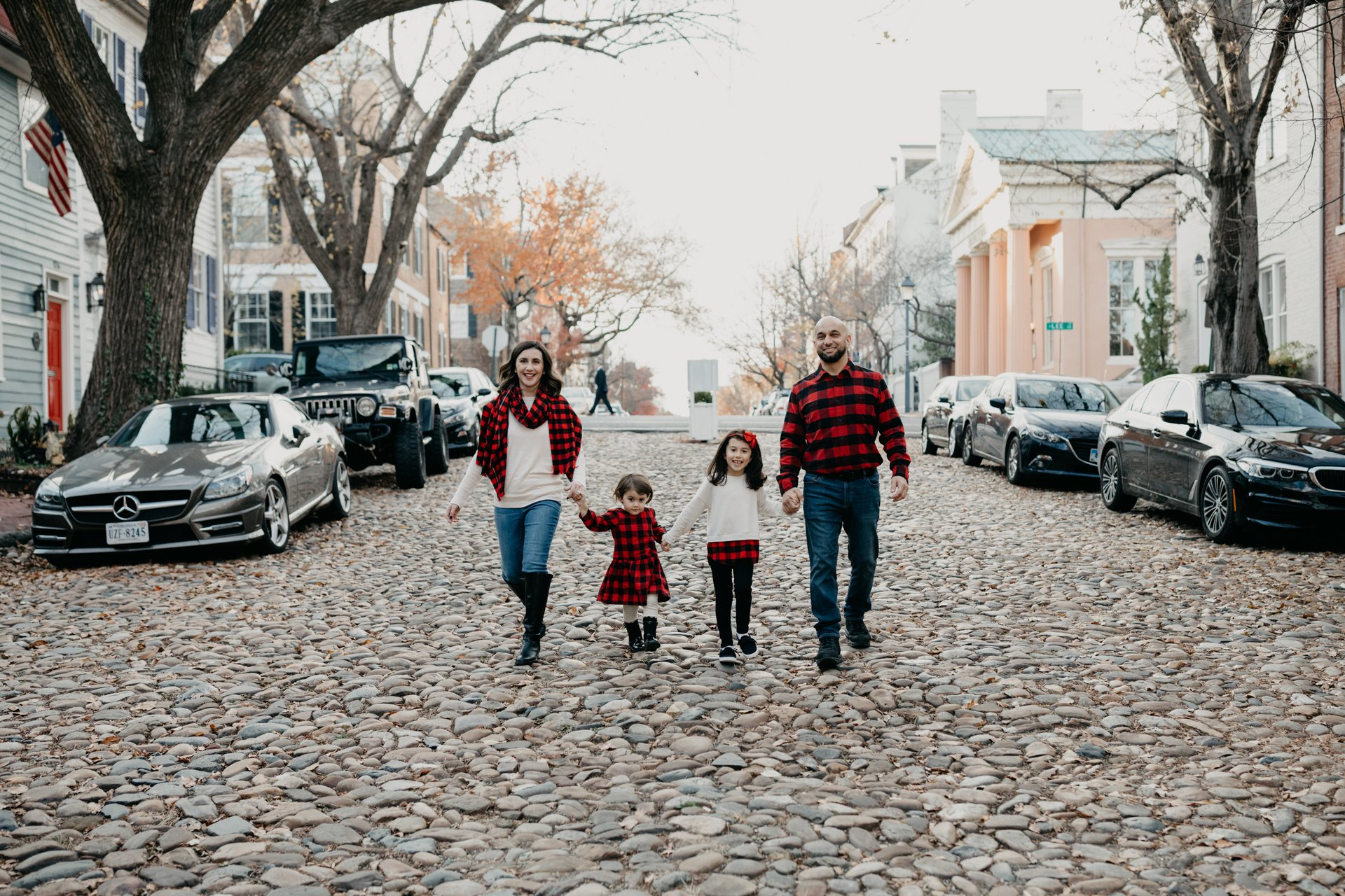 Flytographer Travel Story - Christmas Family Photoshoot in Alexandria VA