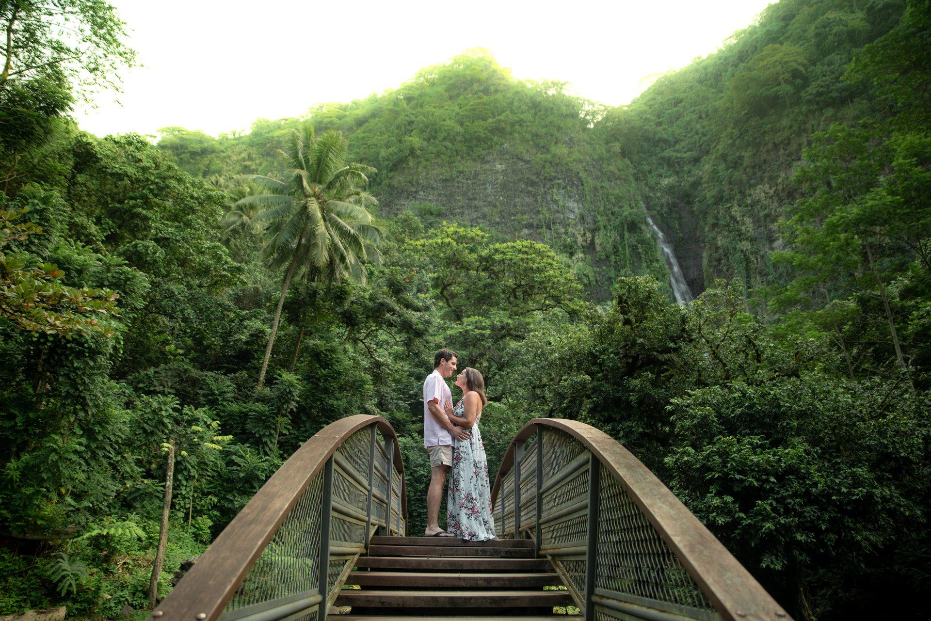 Flytographer Travel Story - Honeymoon in Tahiti