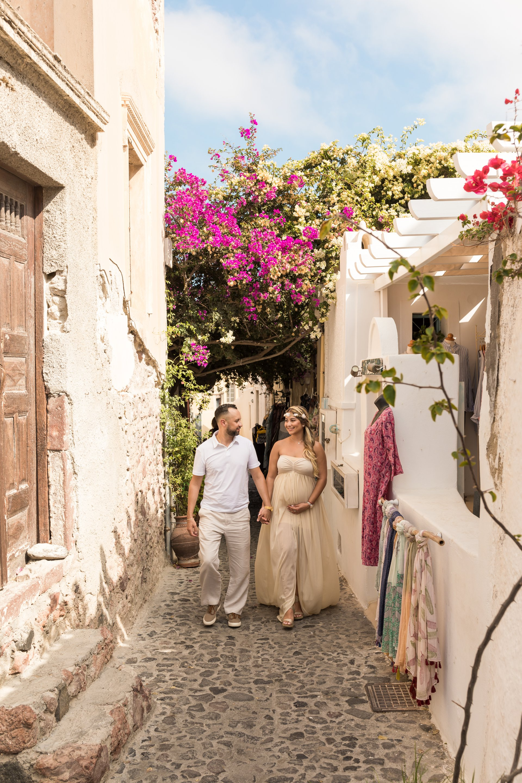 Santorini-Greece-travel-story-Flytographer-11