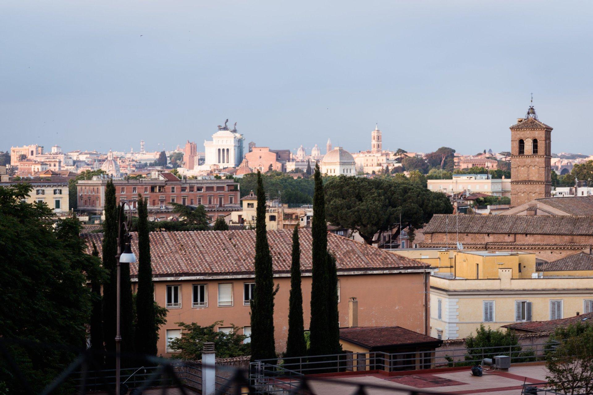 Gianicolo Hill Trastevere Neighbourhood Rome